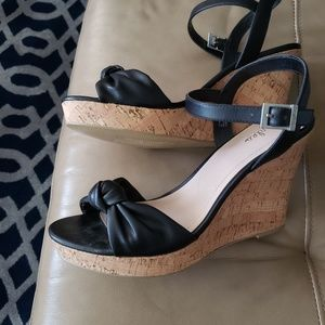 CHARLES DAVID BLACK CORK HEEL SANDALS